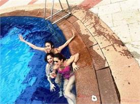 मौनी रॉय ने दोस्तों के साथ स्विमिंग पूल में मस्ती करते सेलिब्रेट किया बर्थडे, देखें तस्वीरें