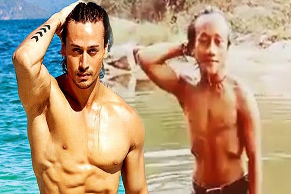 tiger shroff look alike will stole your heart