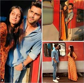 रेलवे स्टेशन पर टीवी के इस मशहूर कपल ने करवाया रोमांटिक फोटोशूट, वायरल हो रही हैं तस्वीरें