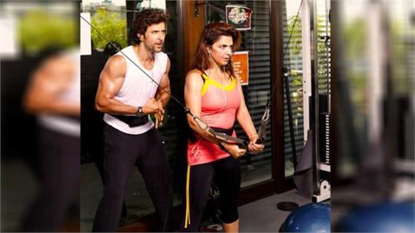 hrithik roshan mom weight lifting video viral on social media