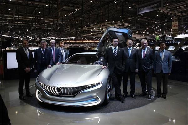pininfarina unveiled hk gt concept car at geneva motor show