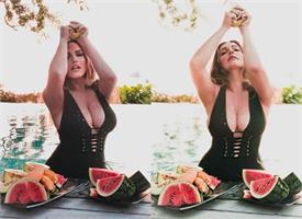 OMG: हसीना ने की बेशर्मी की सारी हदें पार, प्राइवेट पार्टस पर लगाया फलों का रस