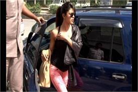 चलती गाड़ी से प्रियंका चोपड़ा को इस शख्स ने दिया धक्का, सामने आई वीडियो