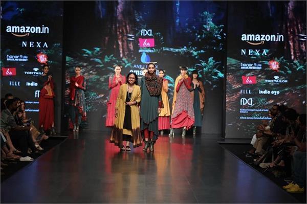 designer anju modi collection at amazon fashion week 2018