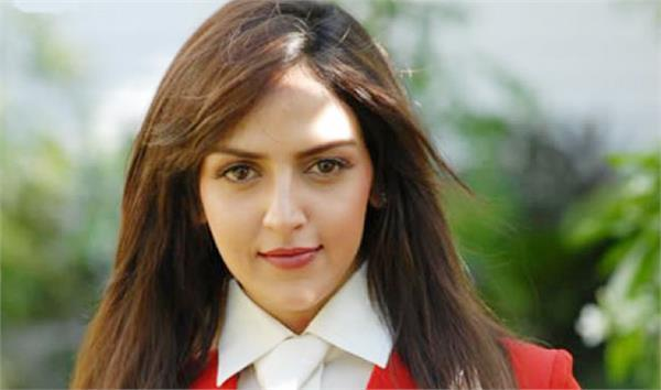 esha deol will come back in role of chef in short film