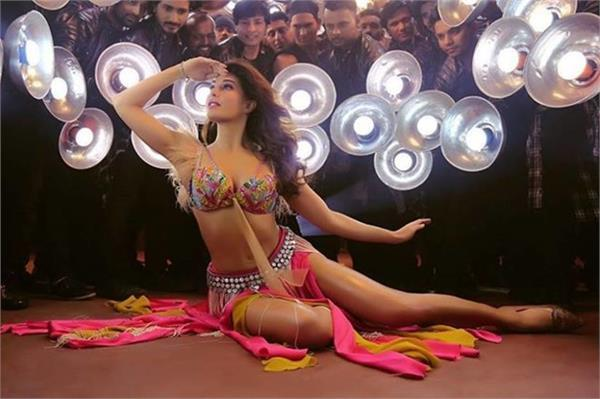 jacqueline is most popular for the remake of old songs