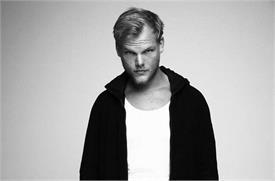 मशहूर DJ AVICII का 28 साल की उम्र में निधन, जीते चुके हैं कई अवॉर्ड