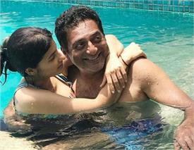 prakash raj trolled for romancing wife