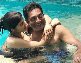 prakash raj trolled for romancing wife