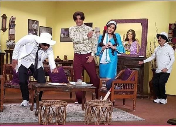 sunil grover and shilpa shinde retro look viral