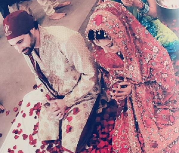 sunny leone share a pic on her wedding anniversary