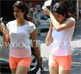 jahnavi kapoor spotted shopping complex