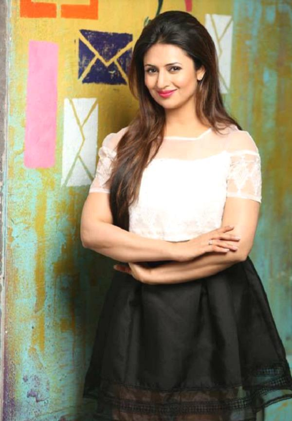 divyanka tripathi trolled on social media