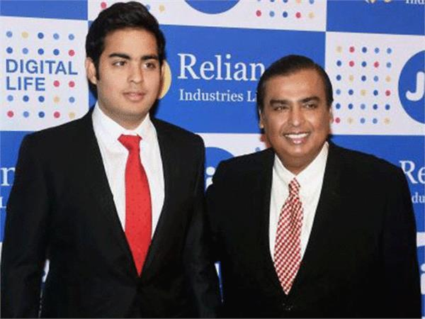 mukesh ambani annual income