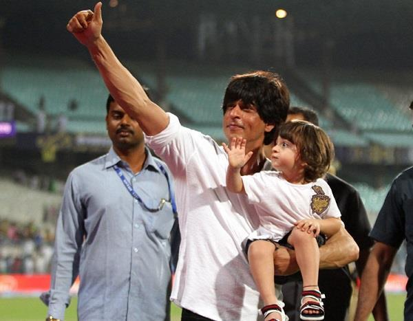 shah rukh khan reveals which sport he wants son abram to play