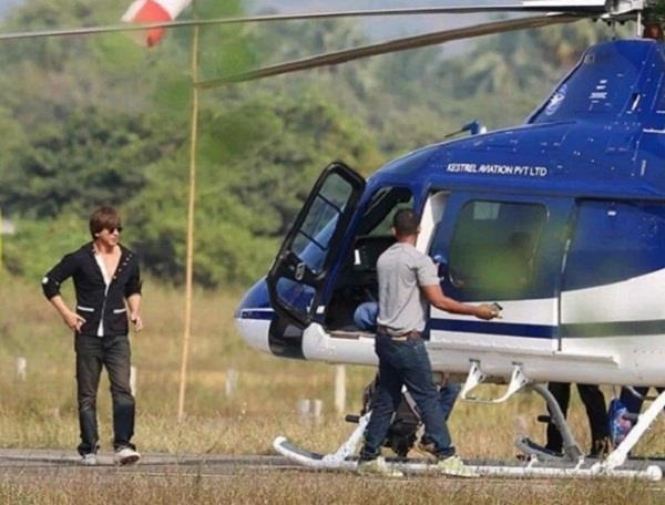 shahrukh khan use aerial route to avoid traffic