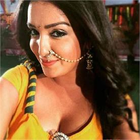bhojpuri actress amrapali dubey will be seen in 8 films this year