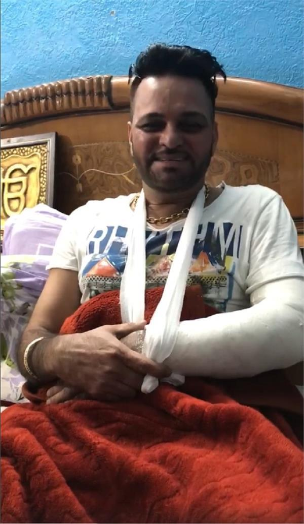 famous comedian gurchet chitarkar injured in road accident