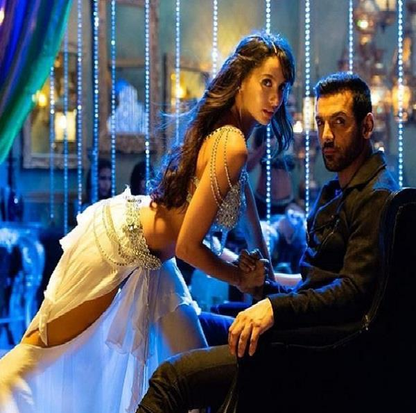 nora fatehi hot moves with john abraham on song dilber