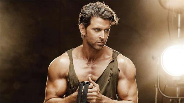 hrithik roshan accepts fitness challenge user claims traffic violations