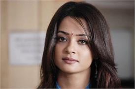 नही मिली अभिनेत्री सुरवीन चावला और उसके पति को अग्रिम जमानत