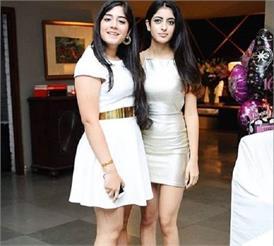 शॉर्ट ड्रेस में बेहद ग्लैमरस दिखी अमिताभ की नातिन नव्या, तस्वीर हो रही है वायरल