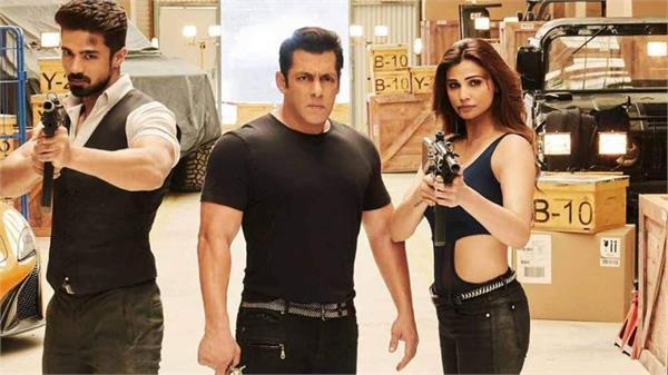 salman khan say thanks ton his fans for his film
