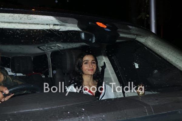 alia bhatt meet with priyanka chopra
