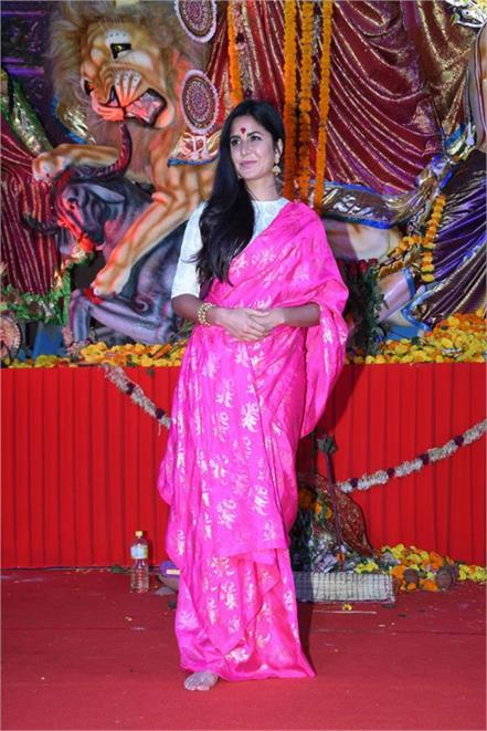 bollywood celebrities visit durga puja 2018 pandals