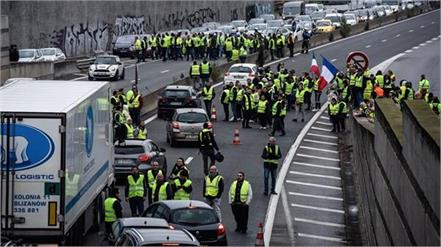 strong protest against rising fuel tax in france  1 dead and dozens injured