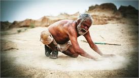 किसान आत्महत्या के मुद्दे पर बनी फिल्म 'कड़वी हवा' में अहम किरदार निभा रहे है ये नायक