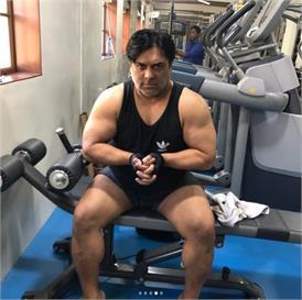44 की उम्र में जिम में पसीना बहाकर राम कपूर ने एेसे किया Weight Lose