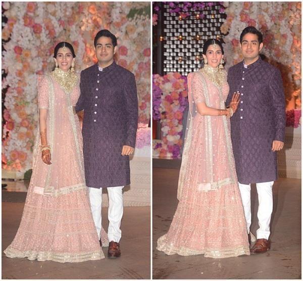 shahrukh khan host shloka mehta and akash ambani engagement party