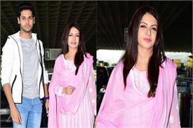 bhagyashree spotted at mumbai airport with son abhimanyu