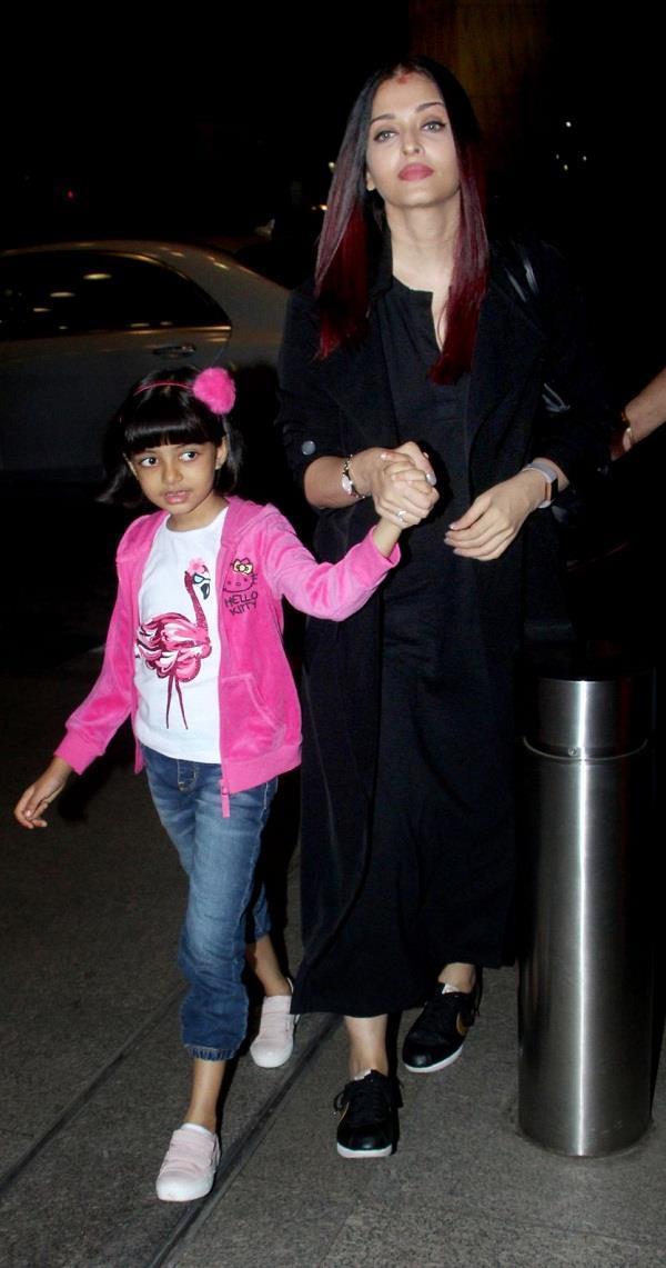 aishwarya rai bachchan spotted with daughter aaradhya bachchan