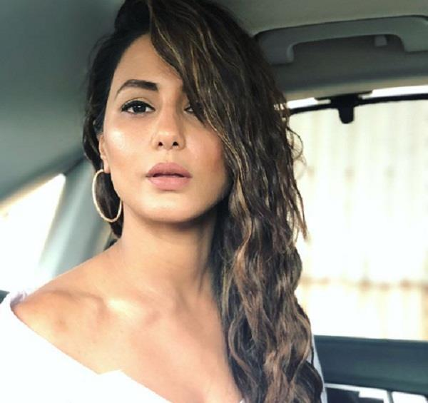 hina khan is accused of jewellery fraud