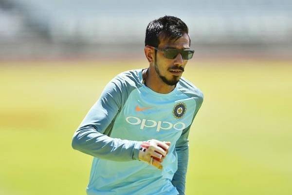 english commentator compares chahal with dog