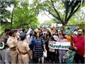 amitabh bachchan supports mumbai metro  aarey activists protest outside his home