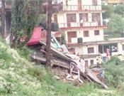 solan building collapsed