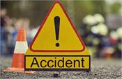 bus collided in anantnag  2 death  injured 22