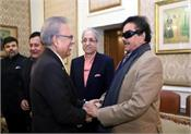 shatrughan sinha calls on president of pakistan to discuss kashmir