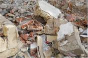 pakistan 10 killed  30 trapped