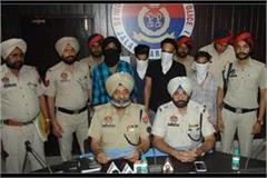 2 fake revolver  4 people arrested