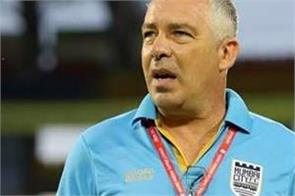 mumbai city coach accused of referee telling players objectionable words