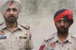 police dispenser of laptop stealing police arrested