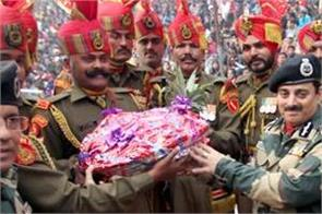 bsf did not give sweets to pakistan