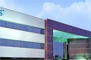 tcs and info develop 10 lakh employees in new technical skills