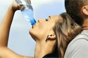 know when and how much water to drink to avoid dihydration