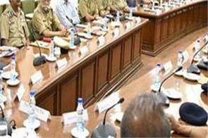 captain amarinder singh police officer warning