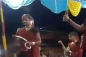gujarat girls snake dance garba